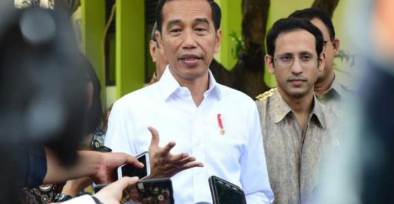 Berita Lampu Hijau - Jakarta City - Pak Jokowi Diminta Pecat Mas Nadiem