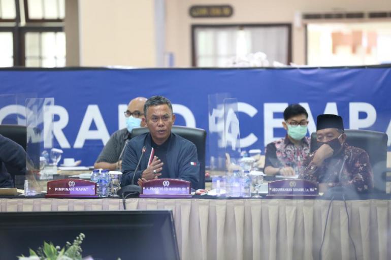 Berita Lampu Hijau - Jakarta City - Anggaran Gede di ...